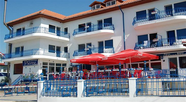 Hotel Pierre Costinesti sejur 5 nopti cazare cu mic dejun in camera dubla, tv+cablu, minibar, parcare gratuita, internet wi-fi gratuit in spatiile comune.