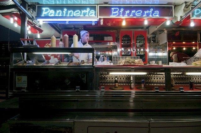 Milano, sono le 2 di notte e non ci vedi più dalla fame? Ecco dove puoi andare a mangiare per saziare la fame chimica o le improvvise voglie notturne.