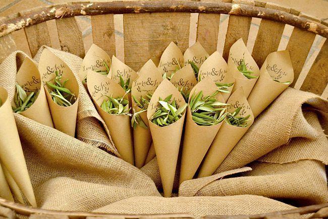 boda, wedding, bride, bridal, groom, party, celebration, congratulations, wedding dress, wedding cake, nupcial, olivo, cucuruchos