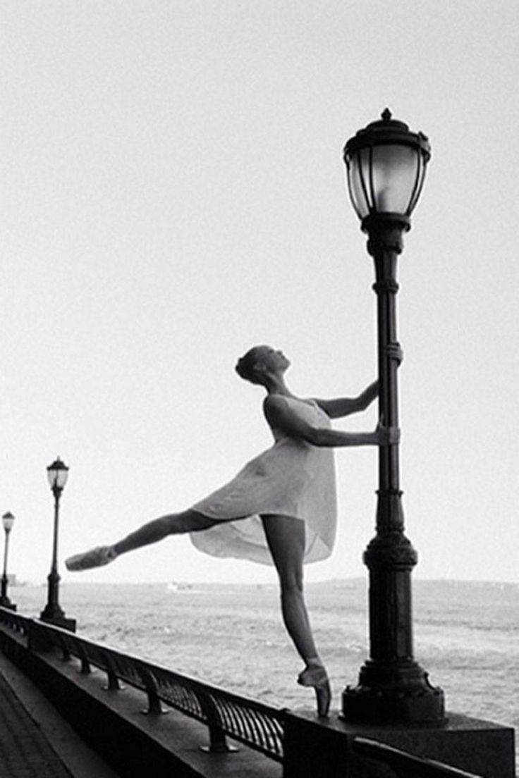 Bailarina Brasil - The Best Ballet Instagram Accounts - Pretty Ballet Instagram Photos - Elle