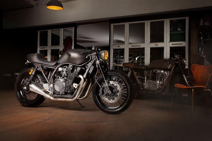 Se llama Yart Build Yamaha y aunque no lo parezca, en una Yamaha XJR1300. Tenéis la galería en el blog.
