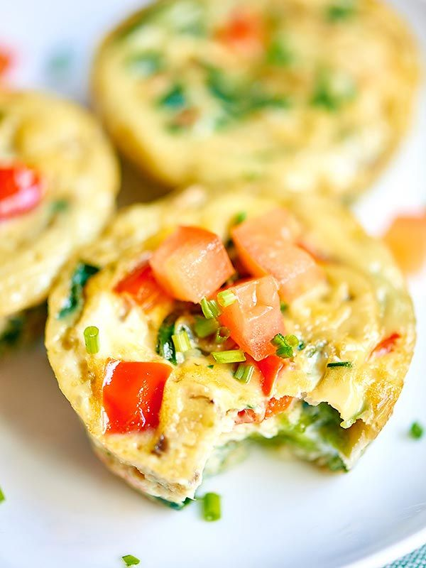 I love that these healthy egg muffin cups can be made in advance. These muffin cups have less than 50 calories per muffin and are packed with vegetables, so eat up and serve with some toast, your morning coffee, yogurt, etc! showmetheyummy.com