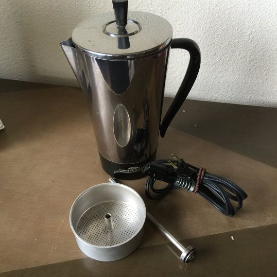 Vintage Toastmaster electric coffee percolator model M501 makes up to nine cups. Tested and in good working condition. All parts included.