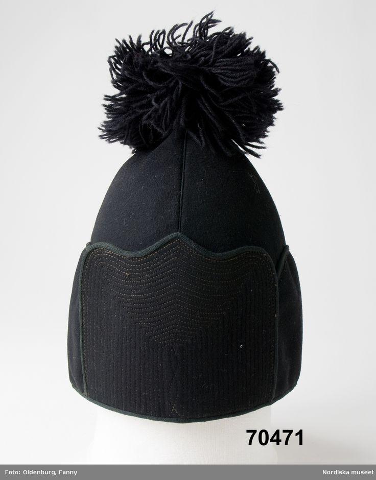 Samisk herrmössa för äldre män, snjihpe-tjohpe, från Storsjö Härjedalen Saami hat for older men from Storsjö, Härjedalen, Sweden
