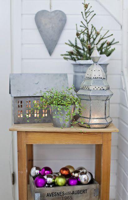 Christmas vignette with zinc accessories lose the for Decoration zinc