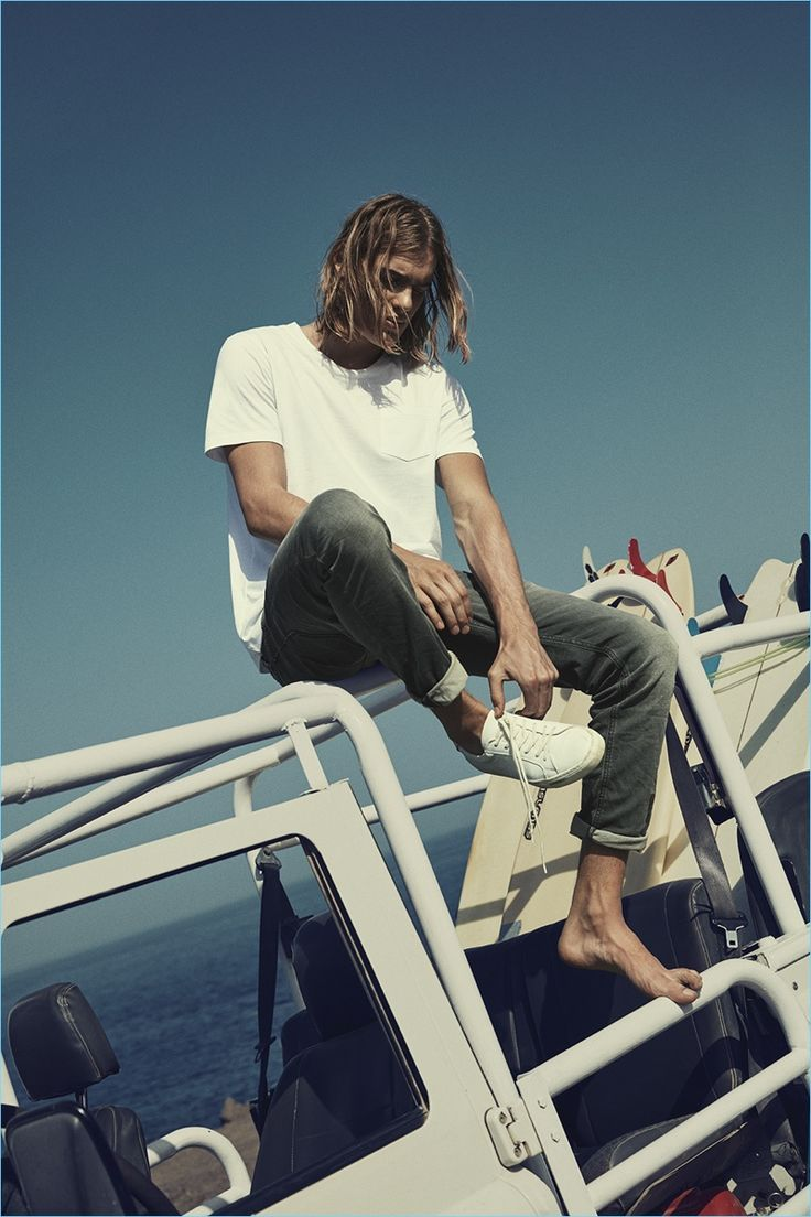 Cole Mohr reunites with Jack & Jones for its summer 2017 campaign. The American model joins Ton Heukels for the outdoors shoot. The pair heads to the beach for a casual style outing. Photographer Polina Vinogradova comes together with stylist Stephanie Loa for the occasion. Here, Vinogradova captures a sun-kissed shoot with a relaxed attitude....[ReadMore]