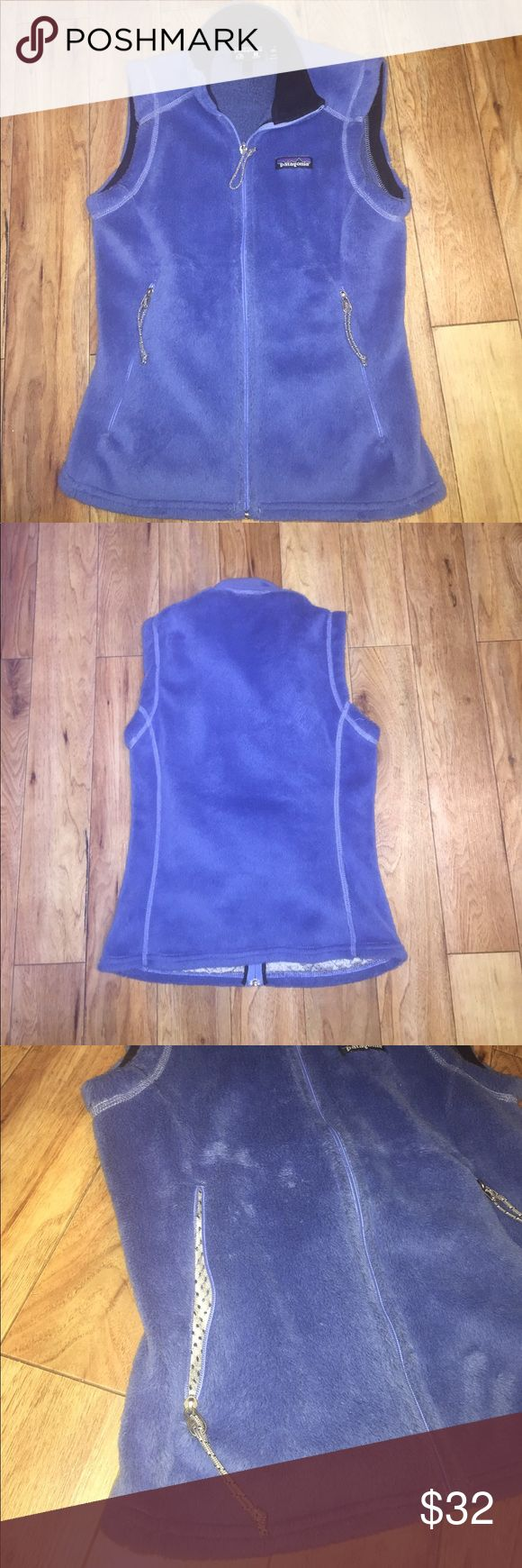 🎉PATAGONIA BLUE VEST🎉 Worn but in great condition! This vest is super soft and great quality. The two pockets have zipper and this vest is great for winter, fall or lounging around. It is an XS but it could probably fit a small. Buy now while you can! Patagonia Jackets & Coats Vests
