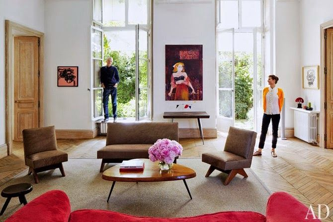 Modern apartament with full of artistic points