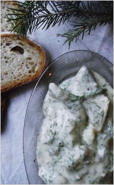 Kuchnia w zieleni: Śledzie w sosie koperkowym