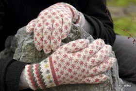 Knit me tender. Katariina käsitöö. Kudumine, heegeldamine, tikkimine. Handycraft: knitting, crocheting, embroidery. Estonia. Kudum.
