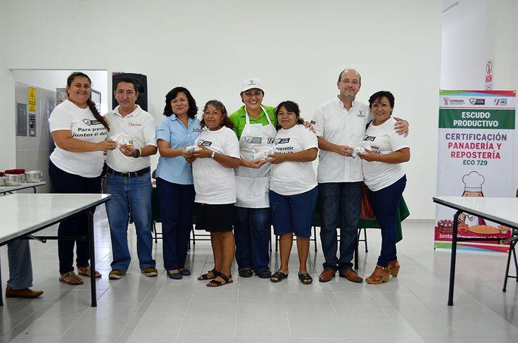 Las beneficiarias tendrán mayores oportunidades de trabajo. Mérida, Yucatán, 21 de julio de 2017.- Un total de 39 mujeres obtuvo su certificación laboral en la elaboración de productos de panadería y repostería, tras participar en los talleres de capacitación enfocados a generar autoconsumo y autoempleo, los cuales imparte el Centro Estatal de Prevención Social del…