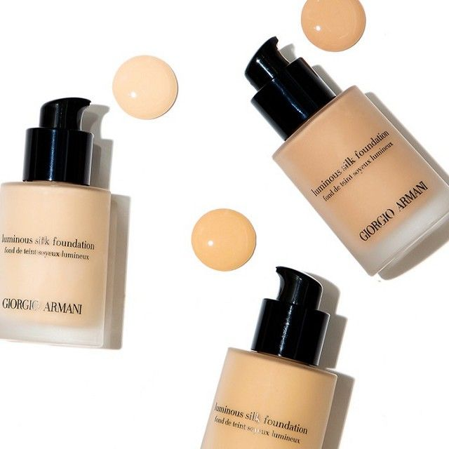 We're obsessed with finding the perfect foundation coverage, whether that's a dewy finish, something more matte, or the ever-elusive in-between goodness that will make us glow on cue (but never...