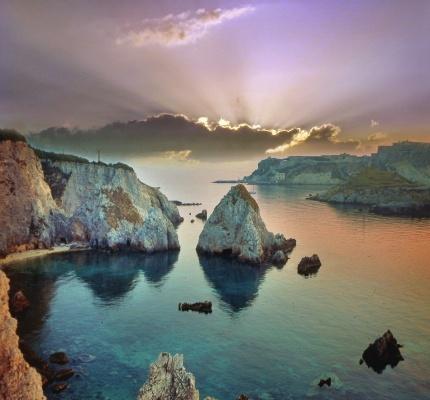 l'isola di San Nicola fotografata dall'isola di San Domino- Tremiti Islands, south Italy