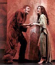 Quasimodo and Esmeralda - Giò di Tonno and Lola Ponce