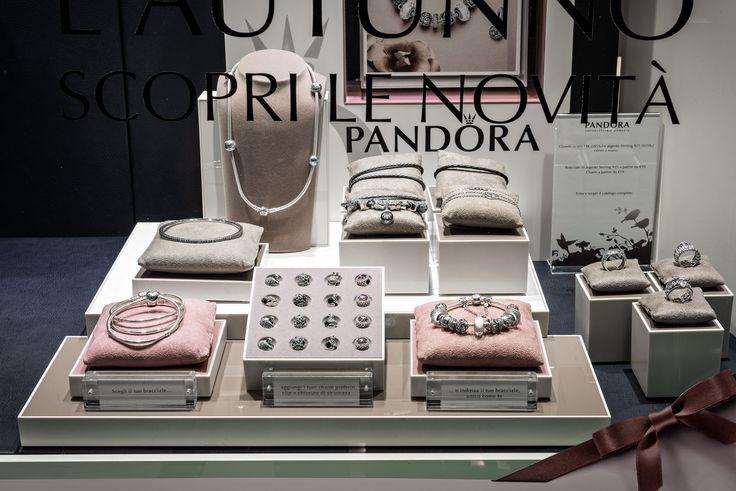 Bortolin Gioielli Udine - le nostre vetrine #gioielli #orologi#Pandora. Visita il nostro sito http://www.bortolingioielli.it/