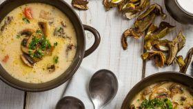 Hríbová polievka na maďarský spôsob