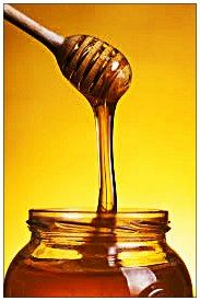 Natural honey contain minerals like: magnesium, iron, calcium, selenium, iodine. Honey also contain amino acids, highly valuable organic acids, folic acid, pantothenic acid, flavonoids, proteins and vitamins like: C, D, E and B complex.