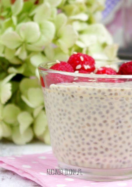 Mleczny pudding chia z malinami