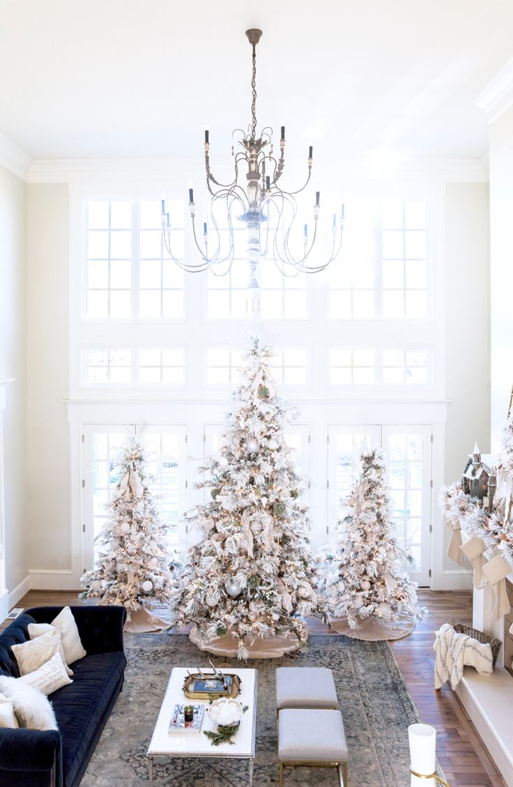 Pictures Of Decorated White Christmas Trees - Best 25 white christmas trees ideas on pinterest white christmas tree decorations white xmas tree and girly christmas tree