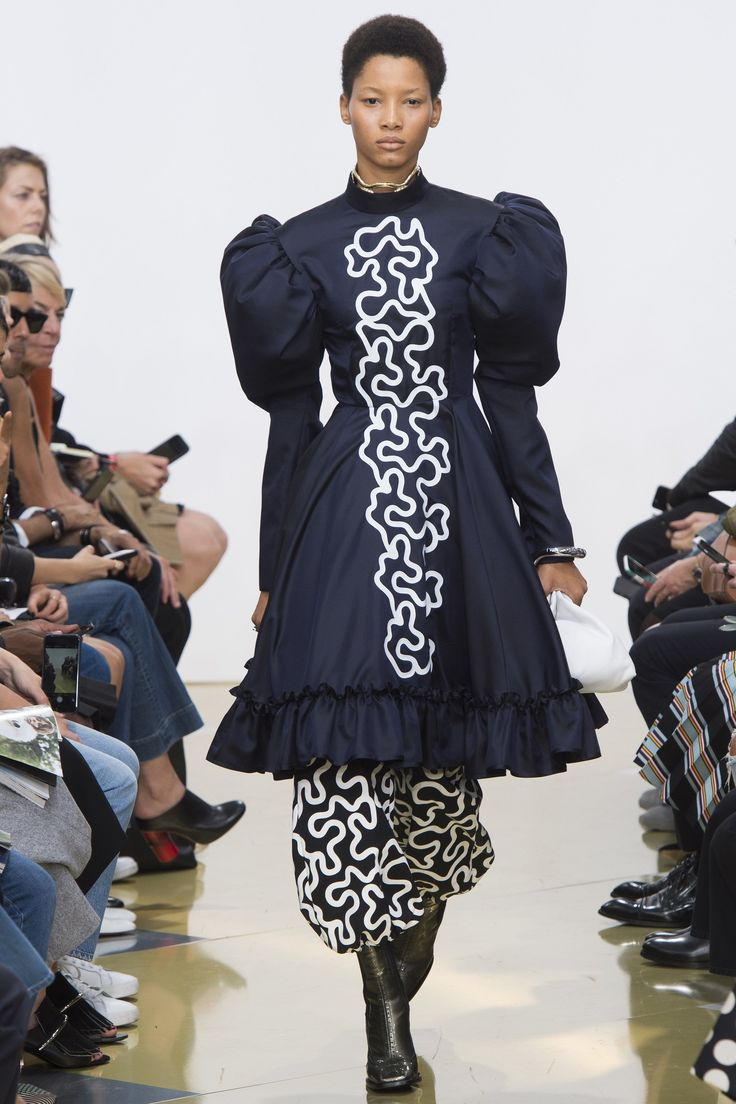 A statement sleeve if ever there was one: J.W.Anderson does leg-of-mutton, plus an arty print.