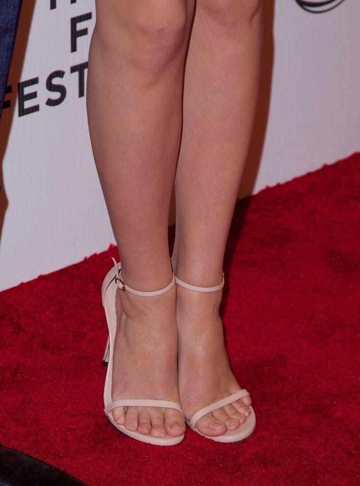 Pink shoes small feet | Emma watsons feet | Pinterest | Pink, Shoes ...