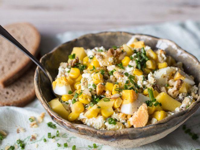 Mango-Mais-Salat mit Haferflocken und Hüttenkäse