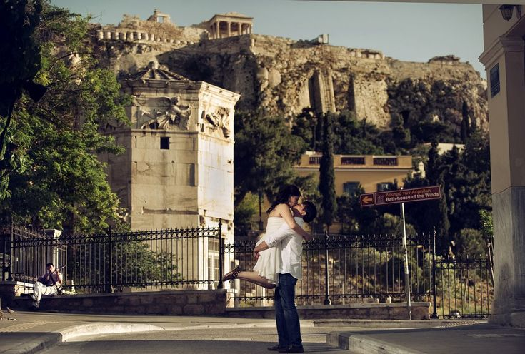 Engagement shoot in Athens - Acropolis