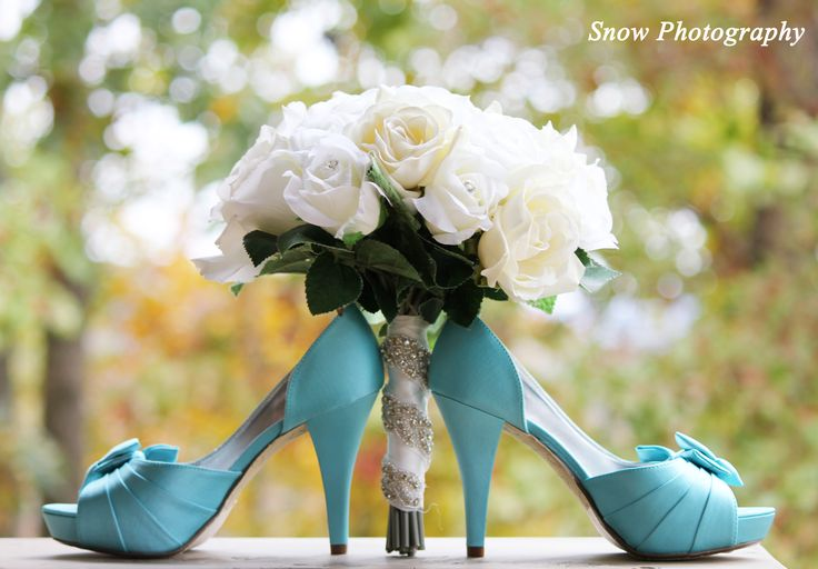 ♡ On Pinterest @ kitkatlovekesha ♡ ♡ Pin: Wedding ~ Flower Bouquet & Heels ♡