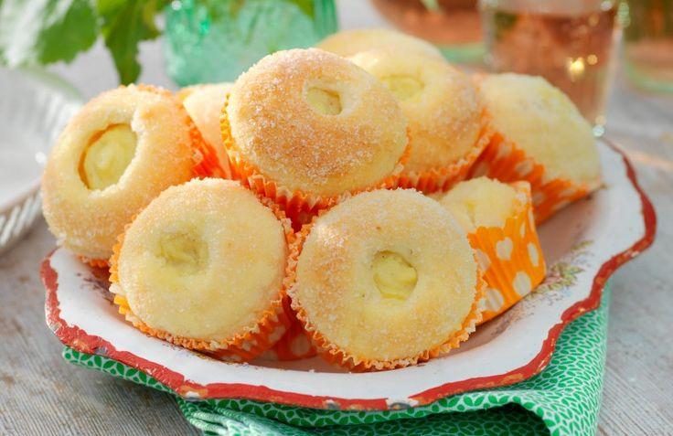 I senaste numret av tidningen Glutenfritt hittar du detta oemotståndliga recept. Dessa sockerbullar fyllda med vanilj kommer garanterat att uppskattas!