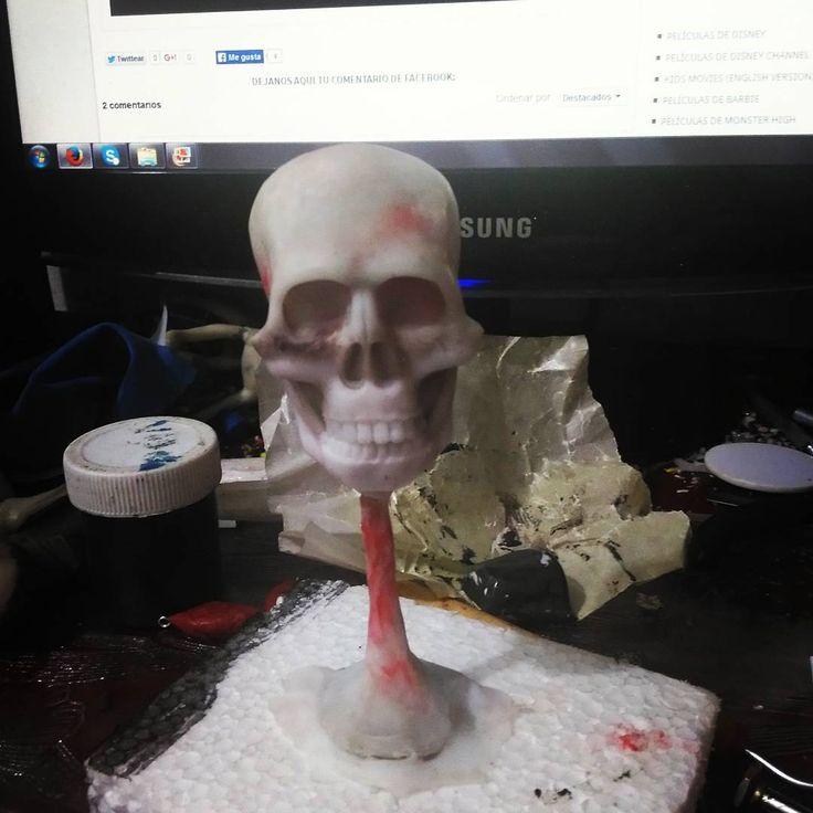 Cráneo de Stephen King para su busto. Trabajo en proceso. Todo hecho en porcelana fría. Esperen pronto un gran resultado. #Skull #busto #proccess  #sculpt #sculpure #sculptcrafting  #escultura  #modelismo #craft #cráneo #improve #pasion #handmade #crecienteescarlata