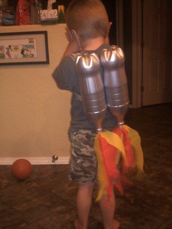 Basteln mit Kindern karton raketen raketenrucksack
