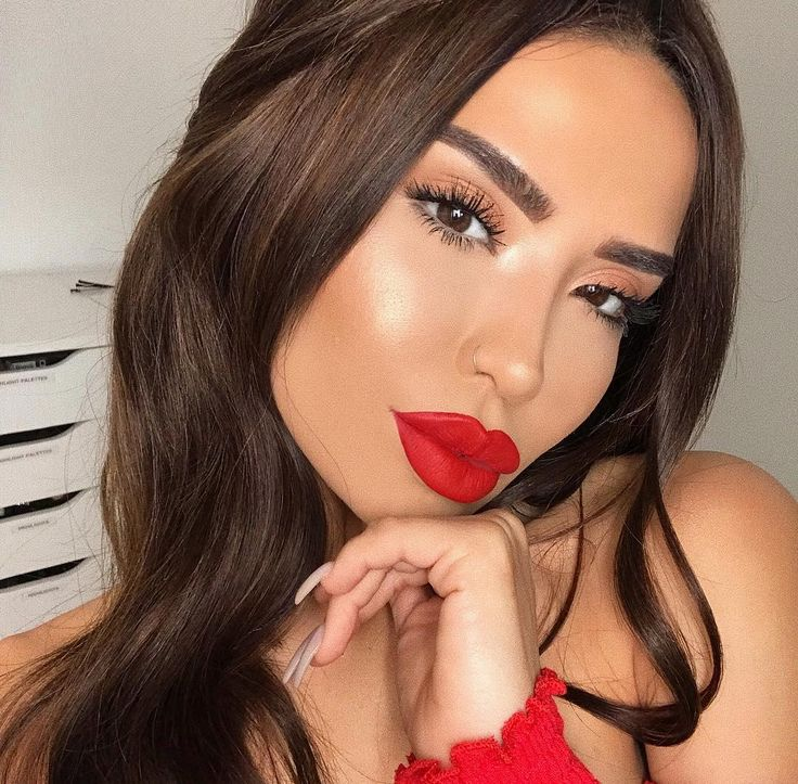 Drooling over this look but also over how amazing @iluvsarahii  lashes looking using Monsieur Big Mascara.    SPECIAL MASCARA OFFERS TODAY: