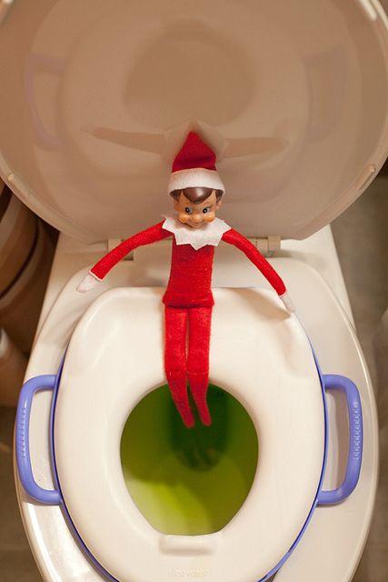 Lutin sur la toilette