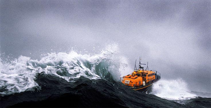 St David's Tyne class lifeboat powers through the waves in Ramsey Sound ©Nigel Millard/RNLI