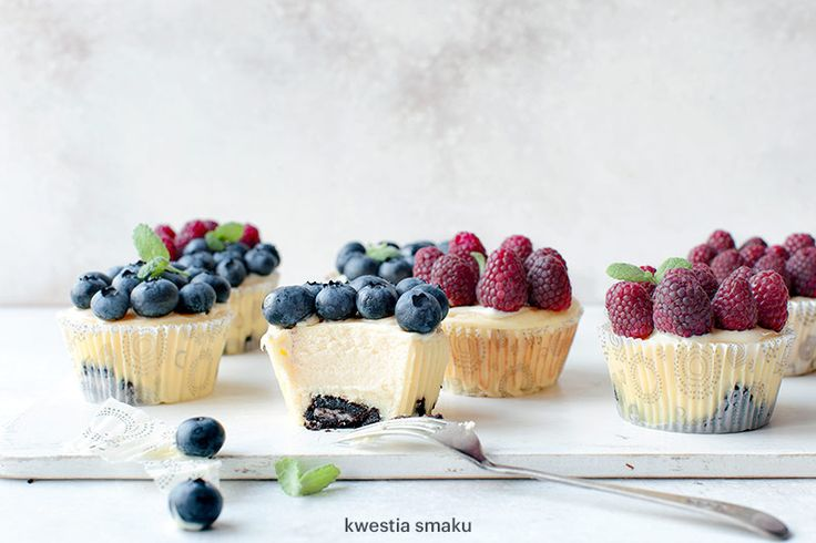 Summer Berry Oreo Crust Mini Ricotta Cheesecakes. So delicious and easy to make!