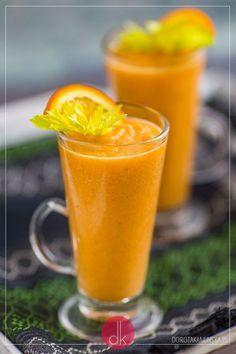 Świetny koktajl z selera naciowego z marchewką, pomarańczą, ananasem i bananem. Doskonały koktajl #fit. #smoothie #seler #koktajl #przepis
