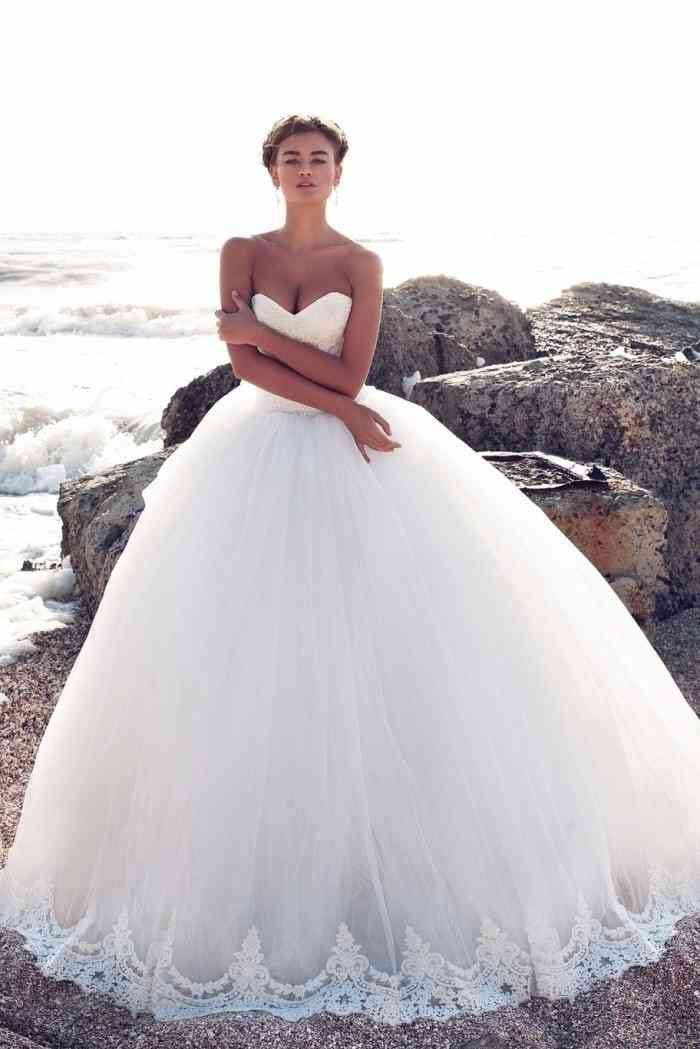 Vestido de noiva estilo Princesa (detalhe barra do vestido) #Weddingthai