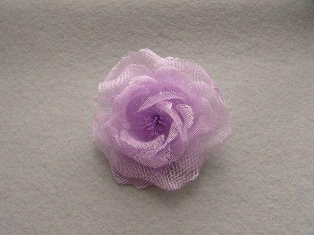 746111 1501501 - Růže se špendlíkem