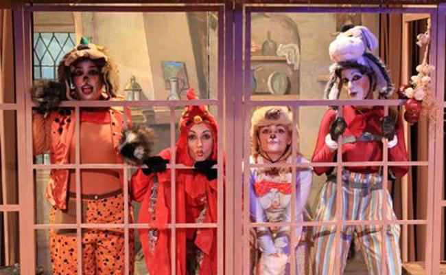 """6€ από 12€ για 1 εισιτήριο για το επιτυχημένο παιδικό μιούζικαλ """"Η Συναυλία των Ζώων"""", μια διασκεδαστική και χαρούμενη παιδική μουσική παράσταση, βασισμένη στο γνωστό παραμύθι των αδελφών Γκριμ, """"Οι τραγουδιστές της Βρέμης"""" στο Θέατρο """"ΘΥΜΕΛΗ-Έλλη Βοζικιάδου. Με την αγορά 20 εισητηρίων και άνω διατίθεται ο χώρος του φουαγιέ δωρεάν με πολλές παροχές για να κάνετε το πάρτυ του παιδιού σας!!!!!  http://www.deal4kids.gr/deals.php?id=380"""