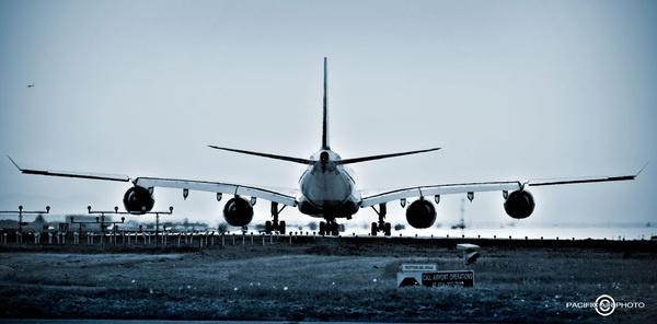 Lufthansa A346 @ YVR