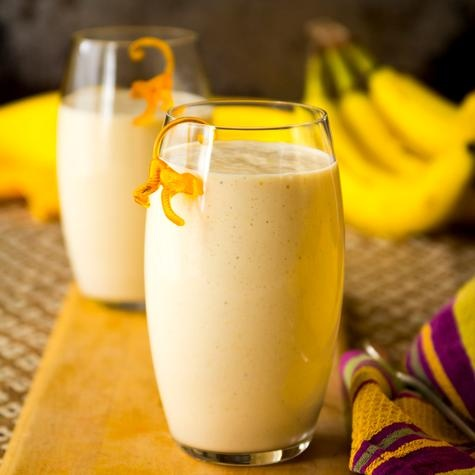 Kids will go crazy for this one: Nutty Monkey Protein Smoothie. Great after-school snack, to keep them satisfied before dinner!