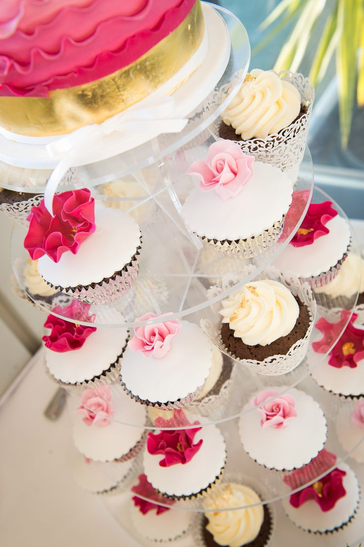 wedding cupcakes, hot pink, gold, gold leaf, cupcakes. wedding cake sunny girl cakes.