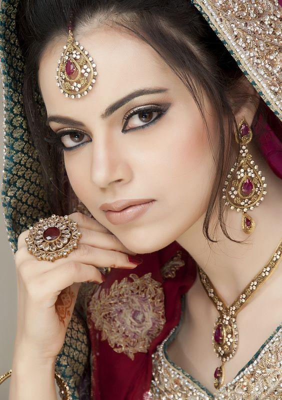 25  best ideas about pakistani bridal makeup on pinterest