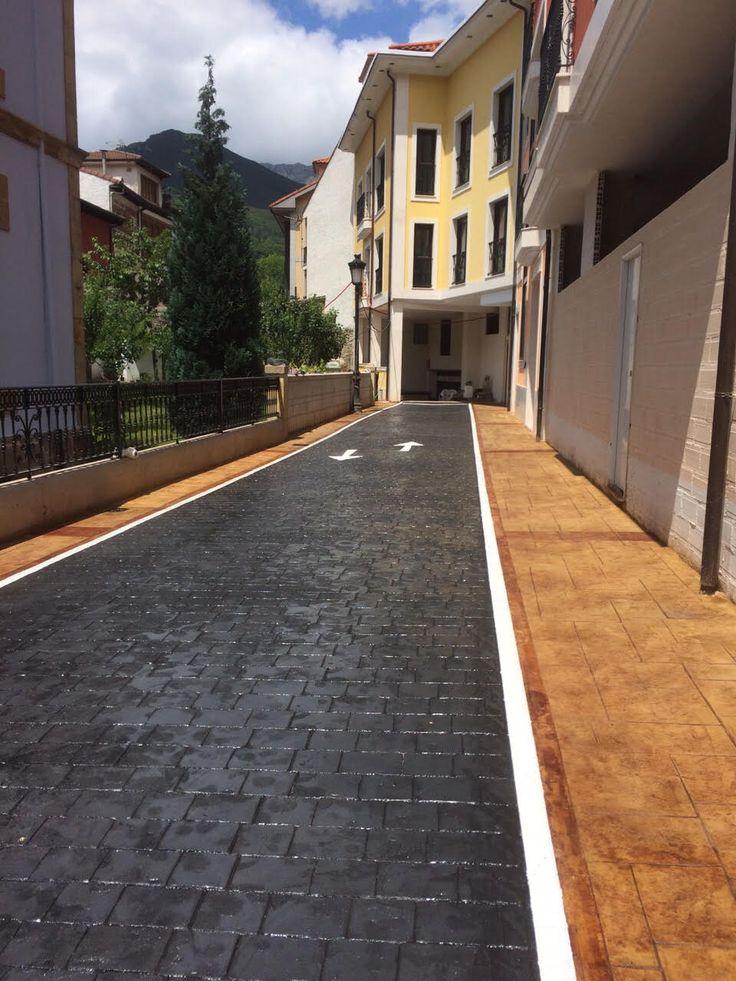 Vial de hormig n impreso con ankare zaline negro azabache for Fotos de patios con piletas