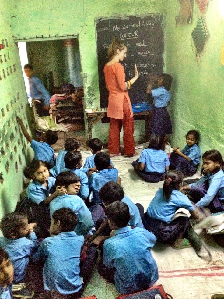 Volunteering in India with International Volunteer HQ (IVHQ) - Teaching at a slum school in Delhi