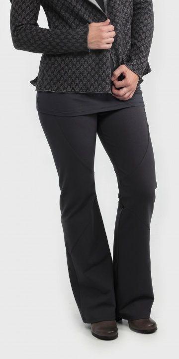Frëtt Design - Pantalon Lentug (plusieurs couleurs offertes) disponible en taille 1+ - prix régulier 119,00$