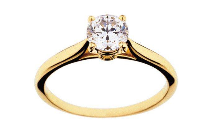 Bague fiançailles Cartier, or et diamant solitaire - Bague fiancaille - Bagues de fiançailles - aufeminin