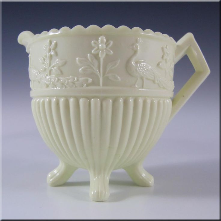 235 Best Images About Hobnail White Amp Milk Glass On Pinterest