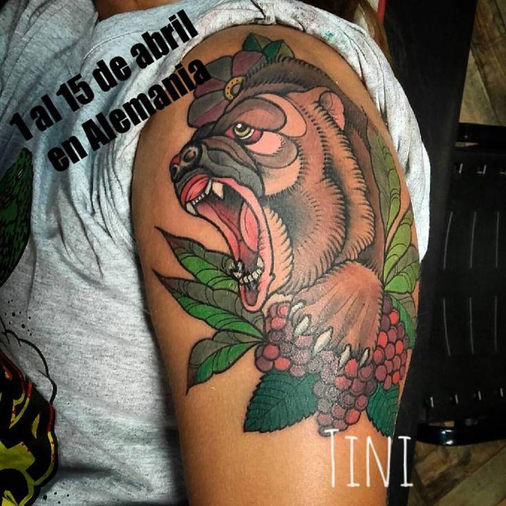 Recuerden que del 1 al 15 de abril estaremos en Alemania. del 16 de abril al 26 de abril en Mallorca. del 26 al 4 de mayo en ibiza.  y del 4 de mayo al 15 de mayo en Barcelona! interesados en tatuarse con nosotros contactarnos por mensaje privado.FACEBOOK tini lechner.  gracias.  #beard #beartattoo #tatuajeoso #oso #neotraditionaltattoo #newtradition #tattoo #tatuajes #animaltattoo #tini #tattooartist #lovetattoo #tattootrip