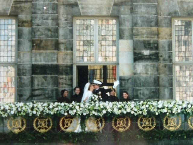 Balcony kiss after the wedding Willem Alexander and Maxima